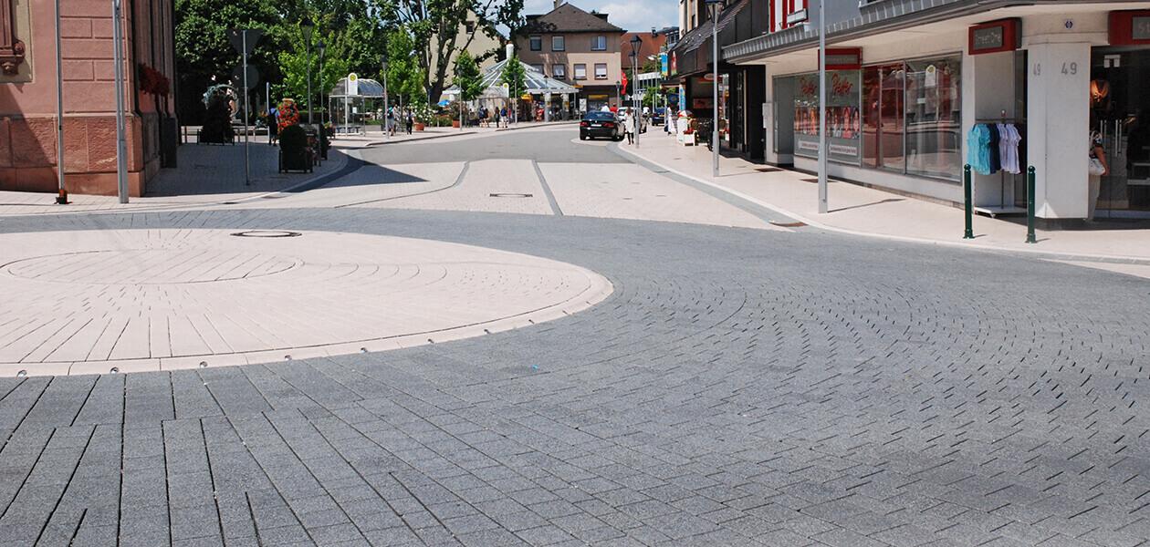 Buehl-Stadtmitte-CT-Kreisverkehr-Toskana-Nr-694-pei-Àenberg-nr-182-sg-(1)